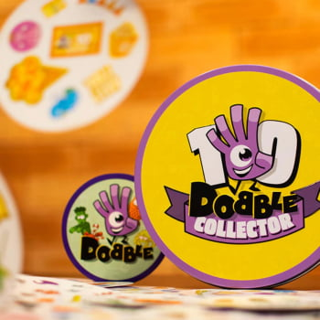 Dobble: Collector - Latão (Brilha no Escuro e Detalhes Dourados)